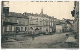 47  SAINT   BARTHELEMY   ,   Place  Du Centre    (Café Du  Centre ) - Autres Communes