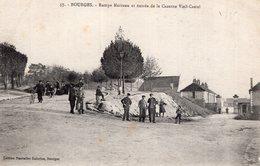 2689 Cpa 18 Bourges - Rampe Marceau Et Entrée De La Cserne Vieil Castel - Bourges