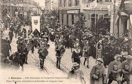 2713 Cpa 18 Bourges - Fêtes De L'Argentier Jacques Coeur,Place Planchat ... - Bourges