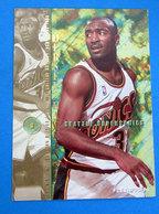 HERSEY HAWKINS  CARDS FLEER 1996 N 321 - Trading Cards