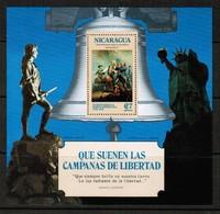 NICARAGUA   Scott # UNLISTED** USA BI-CENTENNIAL VF MINT NH Perforated Souvenir Sheet (SS-391) - Nicaragua