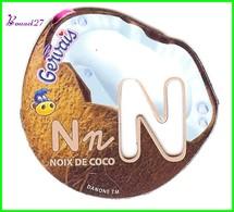 """Magnet Pochoir GERVAIS L'Alphabet Avec Les Fruits Et Les Légumes """" Le N De Noix De Coco """" - Letters & Digits"""