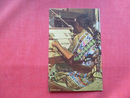Guatemala Indian Weaver   Ref 3264 - Guatemala