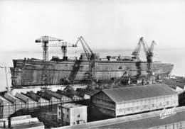 """44 - St-Nazaire - Construction Du Paquebot """" France """" - N°1 - Saint Nazaire"""