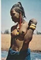 CP - PHOTO - AFRIQUE EN COULEURS - BELLE AFRICAINIE - AFRICA IN PICTURES - PRETTY AFRICAN WOMAN - IRIS - GABON - 3022 - Gabon