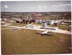 ST YAN  (S&L)  Vue Aérienne Du  TERRAIN D'AVIATION  - Photo Originale Des Années 60        COMBIER CIM Imp à Macon - Aviation