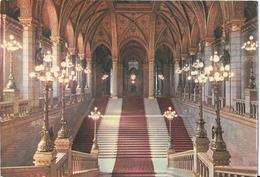 BUDAPEST - Parlament - Haupttreppenhaus - Parliament - Main-staircase - Hongrie