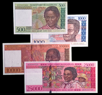 # # # 4 X Banknote Madagaskar 36.500 Ariary UNC- # # # - Madagascar