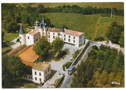 Blaye Chateau De Saugeron Le Foyer De Retraite Du Combattant Vue Aérienne Camion De Ramassges Des Ordures Ménagères - Blaye