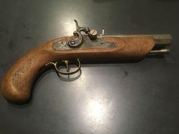 Pistolet à Percussion, Poudre. - Militaria