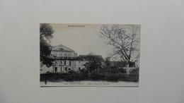 France > [03] Allier >CPA : Brout-Vernet : Vieux Château Des Morelles - France