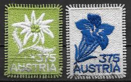Autriche 2005 N° 2372 Et 2008 N°2600 Oblitérés Broderies, Timbres Sur Tissu - 1945-.... 2ème République