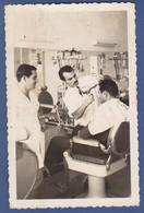 Photo Size Postcard - Mozambique Moçambique - Tete - Man Hairdresser Coiffeur 1967 - Africa
