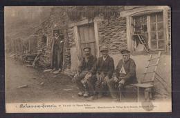 CPA BELGIQUE - BOHAN-SUR-SEMOIS - Un Coin Du Vieux Bohan - TB ANIMATION Personnages Devant Maison TAMPON MILITAIRE - Belgique
