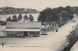 """Pornic. La Route De Sainte Marie Et La Boutique """"Aux Touristes"""". - Pornic"""