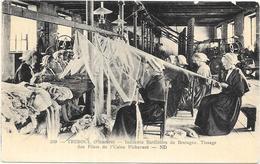 TREBOUL: TISSAGE DES FILETS DE L'USINE PICHAVANT - Tréboul