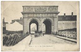 62 - ARRAS - La Porte Baudimont - ATTELAGE DE CHIENS - Arras