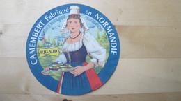 étiquette Ancienne, Neuve, Trace De Colle Au Dos, état Parfait - Fromage