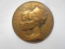 """HOMMAGE à MARIE DEPAGE Et EDITH CAVELL """"REMEMBER 1915"""" (1919) Par A.BONNETAIN-88 Grammes-60 Mm - Professionnels / De Société"""