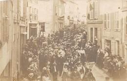 79. N°54006. NIORT. Sur Pancarte. La Se...1905. Regroupement. Carte Photo - Niort