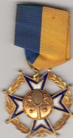 Rare And Very Nice Enamel Medal Order Mozambique Tennis - Kleding, Souvenirs & Andere