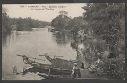 028 CARTE POSTALE INDOCHINE FRANCAISE - ANNAM - Hué, Batellerie Indigène Sur L'arroyo De Phu Cam - Vietnam