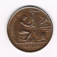 //  HERDENKINGSMUNT  MONNAIE DE BRUXELLES 1910  GETEKEND  A. MICHAUX. - Monedas Elongadas (elongated Coins)