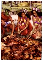 Océanie - Tahiti - Ouverture D'un Four Tahitien (Himaa) Femmes (Timbres Polynésie Française) - Tahiti