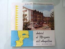 """Pieghevole Pubblicitario  Illustrato """"HOTEL AL BRIGANTE DELL' AMPOLLINO  - COTRONEI ( Catanzaro )"""" - Tourism Brochures"""