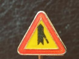 List 101 - TRAFFIC SIGN, Panneau De Signalisation, ROAD SIGN - Non Classés