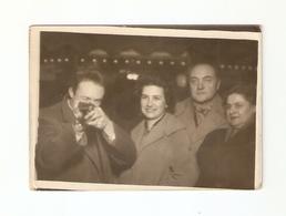 FO--00098-- FOTO ORIGINALE -LUNA PARK-GIOSTRA-COPPIE AL TIRO A SEGNO - Persone Anonimi