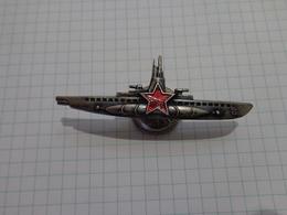 Marine De L'URSS. Capitaine Du Sous-marin. - Russia