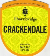 THORNBRIDGE BREWERY (BAKEWELL, ENGLAND) - CRACKENDALE PALE ALE (2) - PUMP CLIP FRONT - Uithangborden