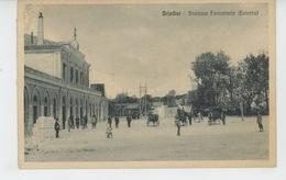 ITALIE - BRINDISI - Stazione Ferroviaria (Esterno) - Brindisi
