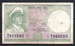 329-Népal Billet De 5 Rupees 1972 Usé - Népal