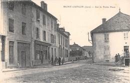 39  -  CPA   SAINT LUPICIN Sur La Petite Place RARE - France