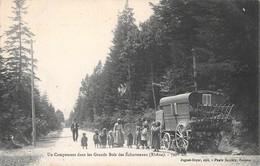 69  -  CPA Un Campement Dans Les Grands Bois Des Echarmeaux (bohémiens) - Lyon