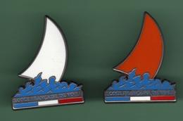 ECOLE FRANCAISE DE VOILE *** Signe DECAT *** Lot De 2 Pin's Differents *** 0002 - Sailing, Yachting