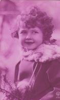 Jolie Carte Fantaisie - Portrait Enfant, FILLETTE Au Beau Sourire - A Voir 2 Scans - Portraits