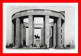 CPSM/pf  NIEUPORT (Belgique)   Monument Au Roi Albert à L'Yzer, Animé, Vélos...C619 - Nieuwpoort