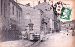 54 - Meurthe Et Moselle -  LAXOU  - Rue Paul Bert ( Belle Animation , Bureau Des Postes, Fontaine ) - Autres Communes