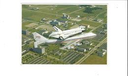 CONQUETE SPATIALE NASA  THE  SPACE  THE SCHUTTLE RIDES PIGGYBACK ON A NASA 747 JET   *****    A   SAISIR  ******* - Aviation
