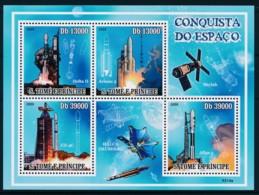 NB - [400642]Sao Tomé-et-Principe 2009 - Conquête De L'espace, Fusée, Satéllites, Fusée - Espace