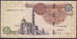 EGYPT / ONE POUND / DATE : 7-8-2017 / P- 70 / PREFIX : L589 / SULTAN QUAYET BEY MOSQUE / ABU SIMBEL TEMPLE / USED - Egypte