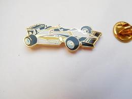 Superbe Pin's En EGF , Auto Renault F1 , Pneu Michelin , Signé Segalen Collection - Renault