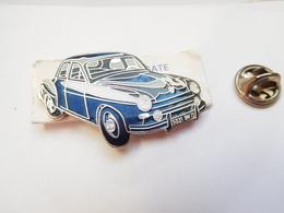 Superbe Pin's En EGF , Auto Renault Frégate , Signé Segalen Collection - Renault
