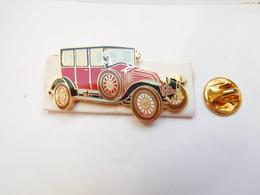 Superbe Pin's En EGF , Auto Renault 12 CV , Type JM 1921 , Signé Segalen Collection - Renault