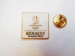 Superbe Pin's En Zamac  , Auto Renault , JO Jeux Olympiques Albertville 92 , Arthus Bertrand Non Signé - Renault