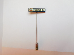 Belle épinglette ( No Pin's )  , Auto Nissan - Pin's