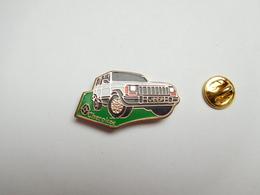 Beau Pin's , Auto Renault Jeep Cherokee - Renault